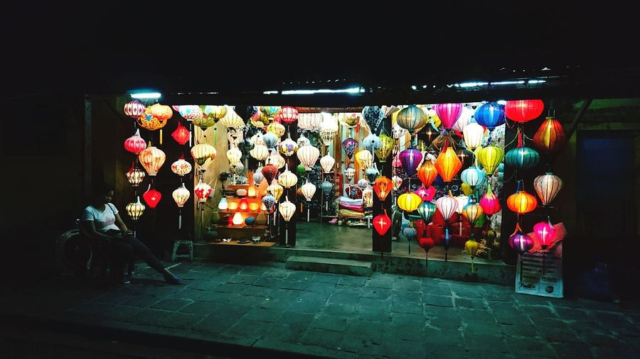 Retail  Multi Colored Tranquility Calm Tourism Wandering Around Aimlessly Traveling Solotraveler Scape The Nigth Wanderlust Peaceful Lantern Colorful