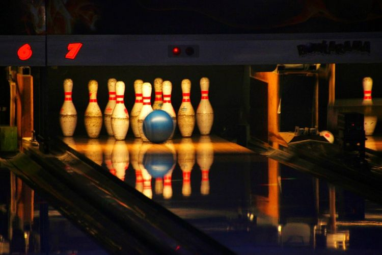Bowling Bowling Balls Bowl Bowlen Kegeln Kegel Kegelabend Ball All In Square Strike Hobby Playing No People Lantern Indoors  Illuminated Night City