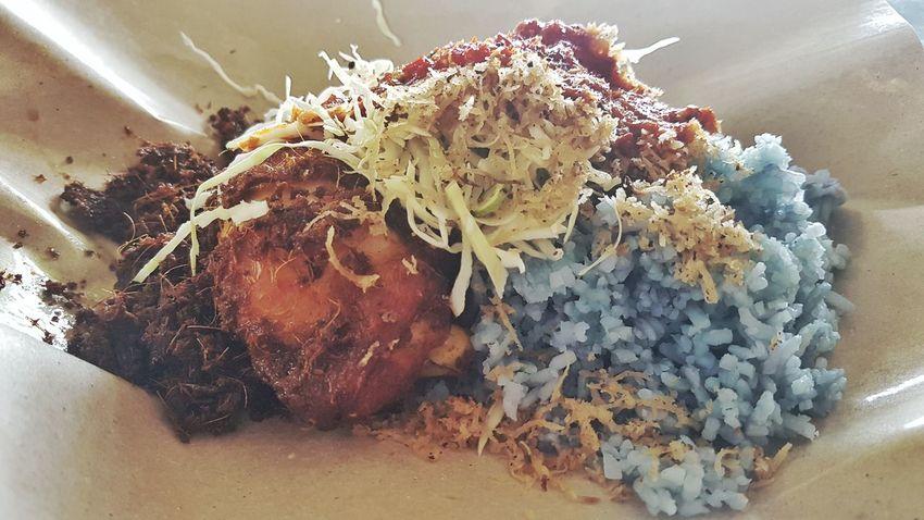 Serving Size Plate Nasi Kerabu Blue Rice Fried Chicken Kelantan Food Close-up