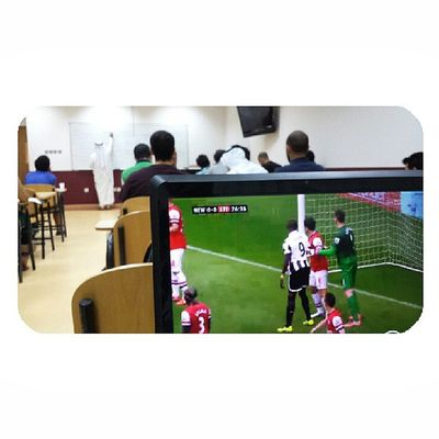 When watching an Arsenal game at home is too mainstream. Watch it in a lecture Arsenal Coyg  gunners