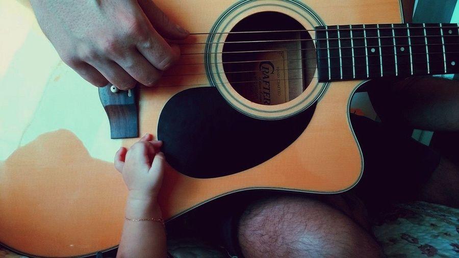 Music Music Love Union Passion Acoustic Igorfernandesfotografia Rock Baby Babyhand Same  Human Hand Low Section Men Guitar Human Leg Close-up