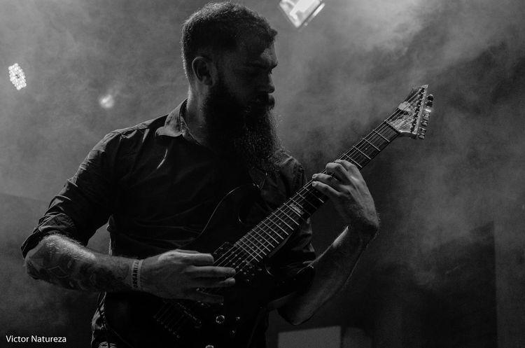 Music Electric Guitar Guitarist Rock Musician Rock Music Guitar Arts Culture And Entertainment Music Show Cobertura Luz Sombra Victornatureza Vitaonatureza Oudn
