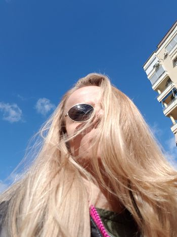 Sunyday☀️ Woman Of EyeEm Woman Who Inspire You Woman Portrait Blondie 4 Life♥ Young Women Clear Blue Sky Blonde Girl Blondehair Blonde Woman Low Angle Shot