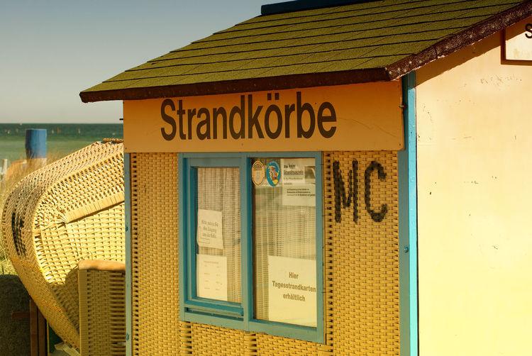 Gelb MC Ostsee Strand Strandkorb Verleih
