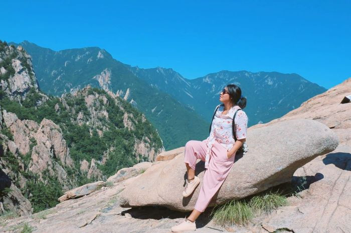 Mountain Sitting Friendship Full Length Beauty Relaxation Healthcare And Medicine Sky Mountain Range Landscape
