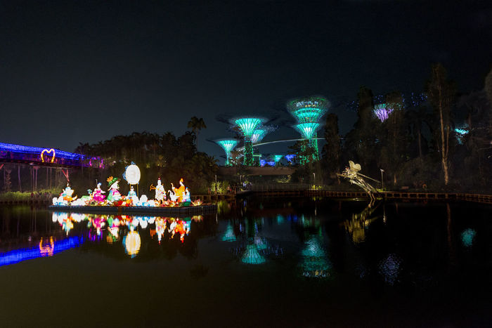 Super Trees at Garden By The Bay during Chinese Mid-Autumn Festival Streamzoofamily
