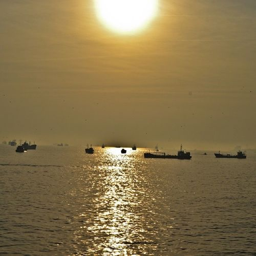 good morning gunaydin صباح الخير Sun Sunrise Sunrays Dogamak gunes gunesisigi sea deniz gemi ship nature earth earthisbeautiful