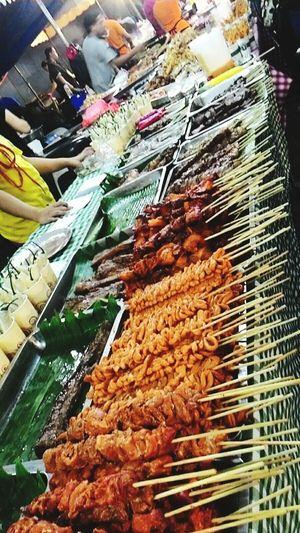 Street food in BGC Philippines Mercatoatbgc Hello World Fromthephilippines Streetfoodinthephilippines Ihaw-ihaw Pinoybarbeque Foodpornasia Superfood Dateonthestreet