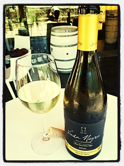 Wine Tasting Wine Vino De Vinos Tasting Viuda Negra Tempranillo White 2013 in Vinoteca Viura.