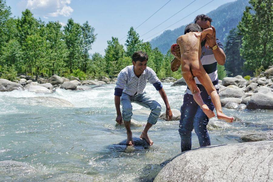 swimming in malani@india India Manari Northernindia Swimming River Family Peopletogether
