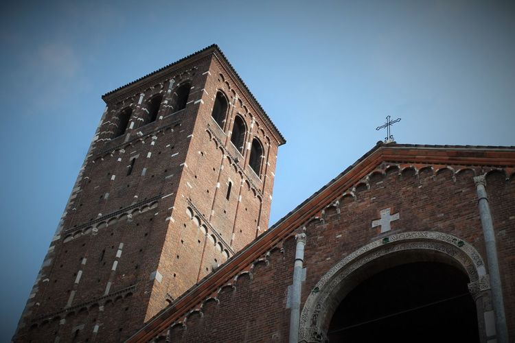 Ancient Arch Architecture Chrch Clear Sky Exterior Historic Historic Building History Italy Medieval Milan Milano No People Past Religion Romans Sant'Ambroeus Sant'Ambrogio Sant'ambrogio Milano
