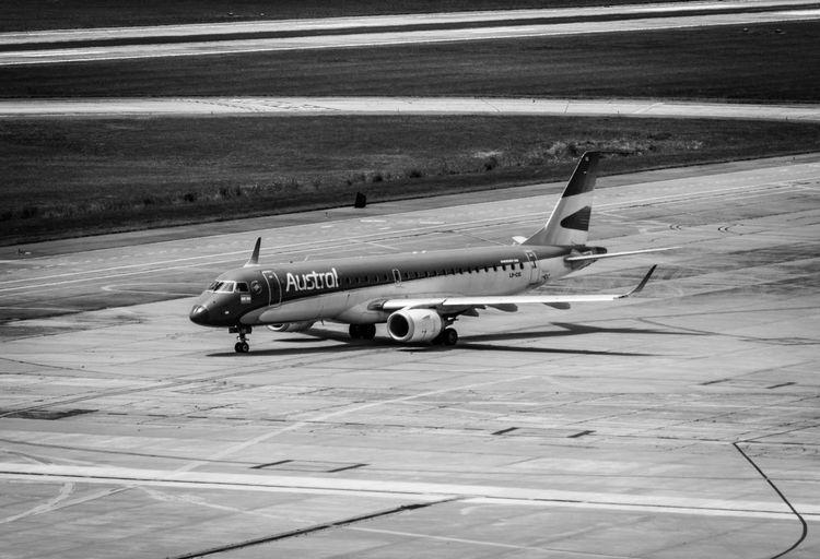 EMBRAER 190 Aerolineas Argentinas Airplane Airport Austral Líneas Aéreas Cordobaargentina E190 Ing Ambrosio Taravel Nikonphotography Sigma Lenses Skyteam