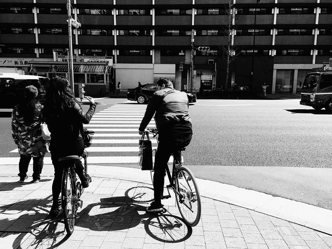 Looks great couple. Bicycle City Crossing Japan Tokyo Azabujuban Lifestyles Iphone6s Photography Photooftheday Travel Welcome To Black