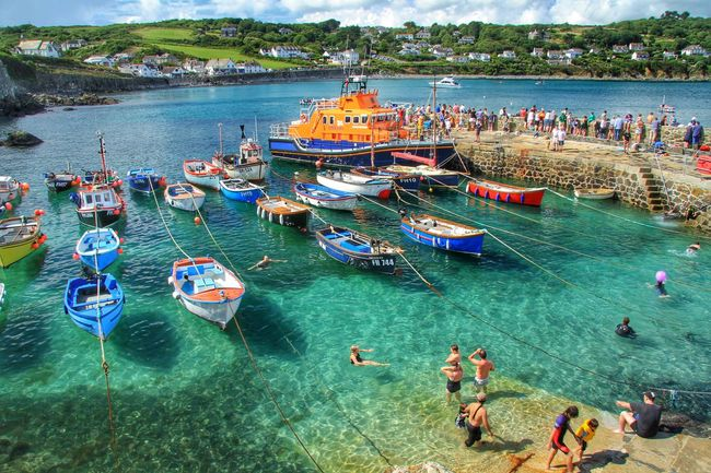 Harbour Harbour View Cornwall Cornwall Uk Holiday Holidays Lifeboat Lifeboat RNLI Resort RNLI Summer Ocean Sea Emerald Emeraldgreen Busy Busy Day Boats Boats⛵️ Boats And Moorings Fishing Boats Vacation Cornwall Coverack Beach Been There.