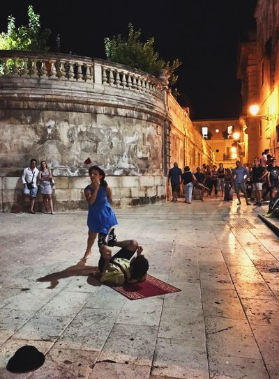 People Watching Getting In Touch Getting Inspired EyeEm Best Shots Enjoying The View Artist Streetphotography Taking Photos Street Art What I Value Ortigia By Night Duomo - Ortigia