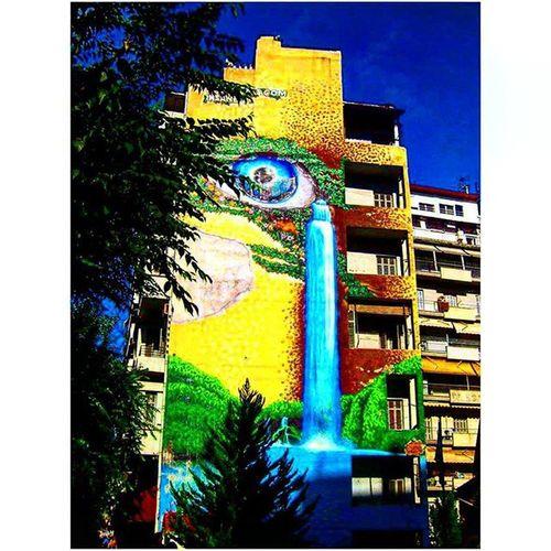 Perhaps one of the best graffiti I've ever seen. Thessaloniki Θεσσαλονίκη Solun Salonika Greece VisitGreece Instagreece Greecestagram White City Whitecity Graffiti Graffitiart Wallart Streetart Streetofthessaloniki Instagraffiti Instagraffitiart