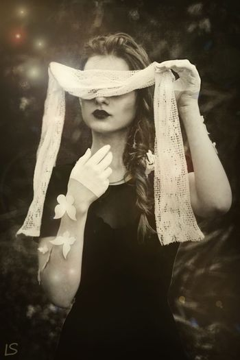 Magic Casual Clothing Gotic Black & White Black And White Blackandwhite Sad Sad & Lonely Beauty Russia Urban грусть безтебятеперь Одиночество Butterfly бабочка Россия футуризм урбанистика печаль грустно чернобелое Beautiful People магия Волшебство