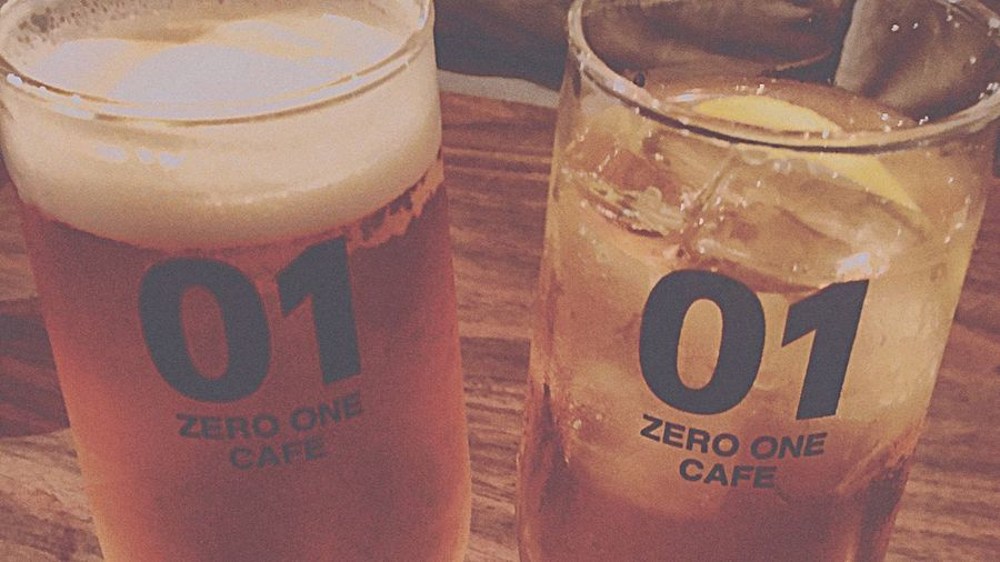 01 Cafe Drinkers Beer Gin And Tonic Japan