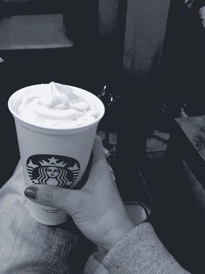 Meeting Friends Starbucks Greentealatte Bw_collection Blackandwhite