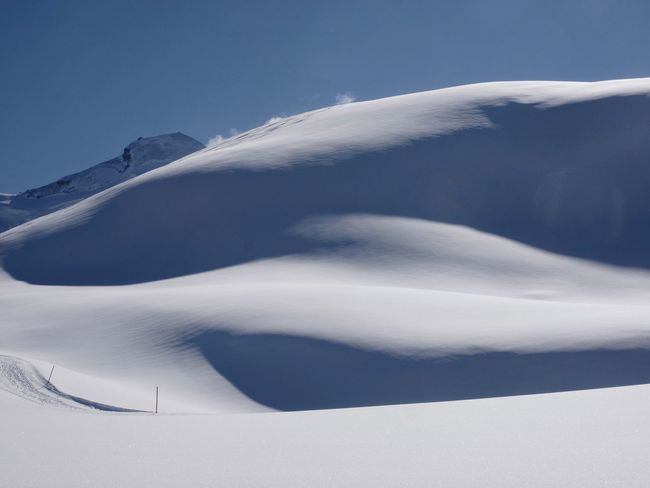 Desert mood in the swiss alps Minimal Landscape Minimalism Mountains Nature Snow Beauty In Nature Tranquility Landscape Scenics Cold Temperature Outdoors Winter Close-up Go Higher