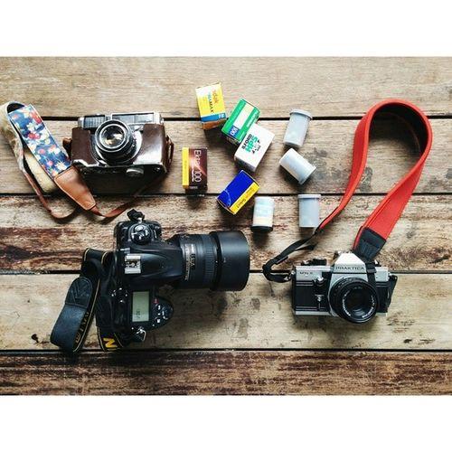 วันนี้มานอกรอบแบบเด็กแนว กล้องฟรุ้งฟริ้งคืออะไร ??? D700 Nikon Prakticamtl5 fujica35ee velvia100 ektar100 kodakproimage100 ultramax hp5plus elitechrome