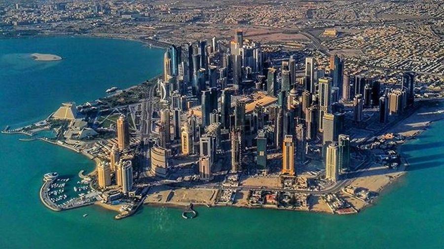 Umcollective Mik Ikozosseg Qatar Doha Morningshine Fromtheair