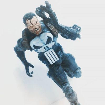 The original photo I had before I added spidey into it,hope everyone likes 😊 Marvellegends Urbanlegends Punisher ThePunisher Frankcastle Figurecollection Toyslagram Toycommunity Toysrmydrug Figurecollection Collection Collector Actionfigures Actionfigurephotography ACBA Mcu Hasbro Articulatedcomicbook Actiontoyart Nerd Geek Comics Daredevil Amazingspiderman Figures