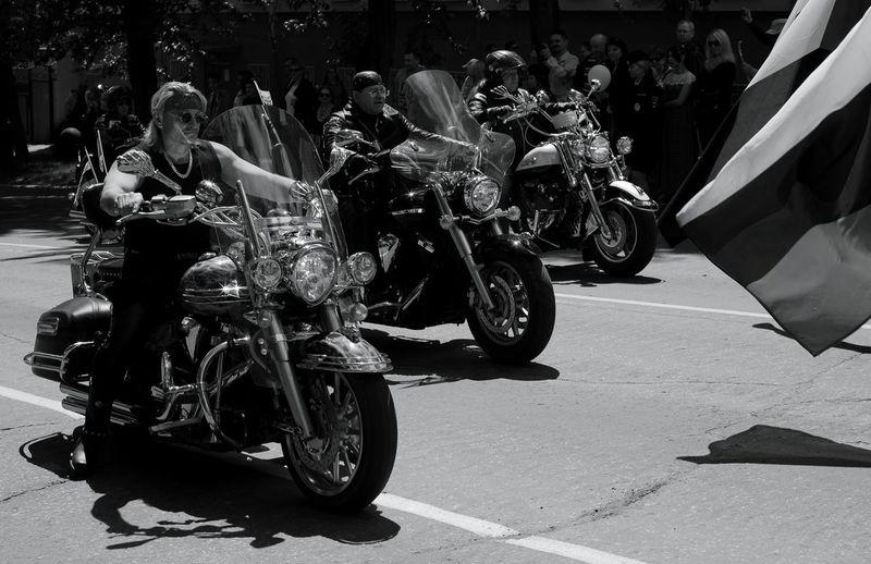 На Дне города Transport Black And White Monochrome Blackandwhite Motorcycle EyeEm Selects Motor Vehicle Bicker Bicycle Man