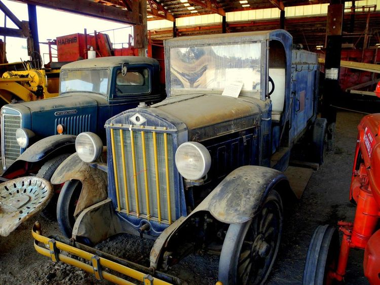 Old Truck Abandoned Antique Truck Old Stored Truck Old-fashioned Transportation