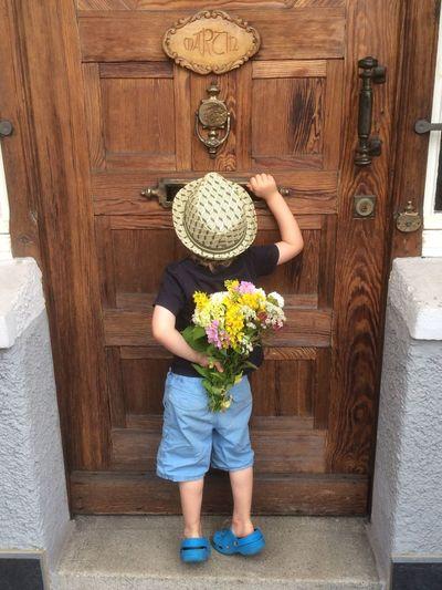 Child Flower Standing door hat