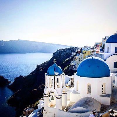 Iconic shot of the blue domed chapels in Oia. Santorini. Oia Oiasantorini Dslrphotography DSLR Santorini Cityscape Skyline Travel Travels Sea Island Volcanicisland Crater Canon Canon5D Tamronlens