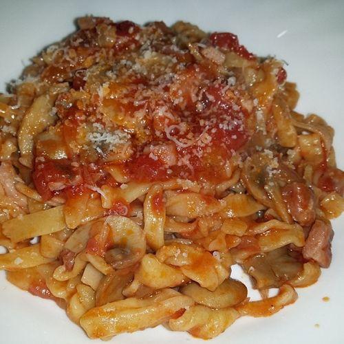 Tagliatelle prosciutto cotto e funghi Italy Italia Gnam Pomodoro food instafood pasta cibo