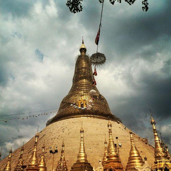 Repair and Replacing Gold Plate Sheets. YangonArchitecture Architecture Shwedagon