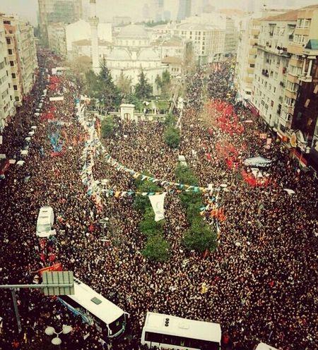 my people are my family / 1.000.000 people vs. government Family Matters Occupygezi #occupygeziparkı #direniş #istanbul #taksim #geziparkı #direntürkiyem Rte Is The Killer Impossible Moments