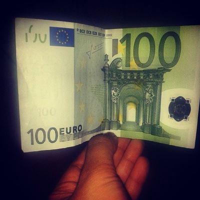 Erst 500€ Note und jetzt ein 100er? Was los hier:D
