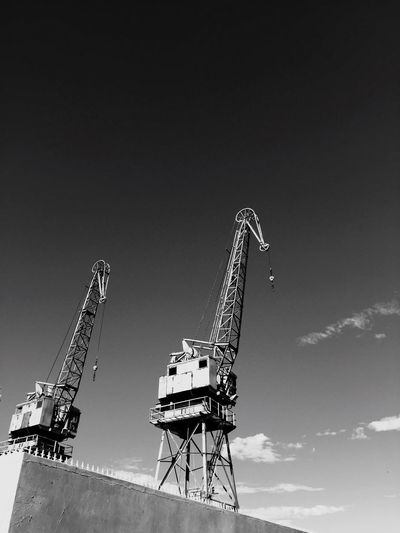 Construction No People Crane Crane - Construction Machinery Cranes Cranespotting Cranes And Construction Craneseries Craneaddicted  Faces Faces In Things Faces In Objects Capetown Harbor Harbour Waterfront Hafen Industry Blackandwhite Blackandwhite Photography Black And White Black & White
