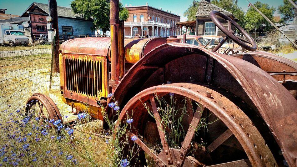 Old Tracks Abandoned Mode Of Transport Rustic Beauty Decay_nation Decayed Beauty EyeEm Best Shots Rustic_wonders Rusty Metal The Week Of Eyeem