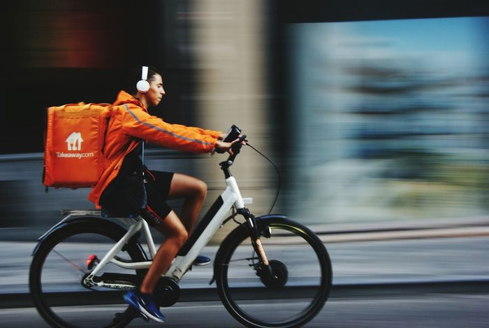 68896545 Full Length Bicycle Motion Riding Cycling City Blurred Motion Speed