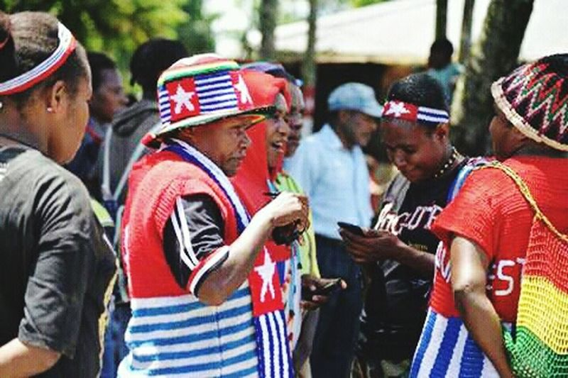Young Women West Papua People West Papua Politic Of Freedom West Papua Want To Free Of Indonesia Colonial. Papua Free Of Indonesia Colonial West Papua Girl West Papua Women Social Issues Countrylife Patriotism West Papua Flag West Papua Culture Large Group Of People Uniform Of West Papua Tradition