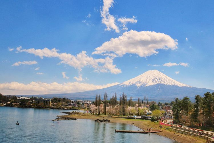 Mt.Fuji Japannature Japantravel Japan Water Mountain Tree Lake Blue Sky Landscape Cloud - Sky Snowcapped Mountain Mountain Range Mountain Peak Volcanic Landscape Snow Covered Snowcapped Active Volcano Rocky Mountains Mountain Ridge