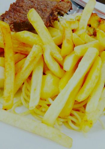 Um amor.❤🍟 French Fries Prepared Potato Food And Drink Food Freshness Unhealthy Eating Yellow Close-up Ready-to-eat No People Batatafrita Deep Fried  Indoors  Fast Food Day Lieblingsteil