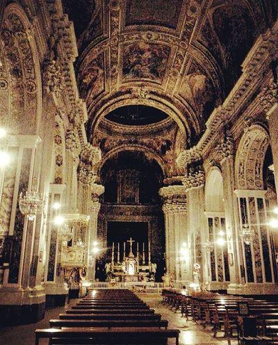 luci in cattedrale Essere Napoletano è Meraviglioso Napoli Naples Arch Indoors  Illuminated Place Of Worship Architecture Religion Built Structure Spirituality No People