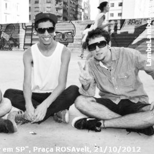 Brothers Roosevelt Rooseveltsquare Square brisando sp brazil centrosp blackwith curtindo coments allday fun parceiros style lifestyle forfum instabrothers me boys