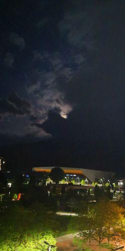 Lightning Illuminated Cityscape City Thunderstorm Star - Space Astronomy Tree Sky Grass