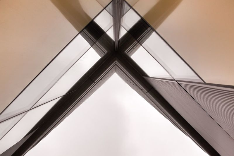 Architectural lines of symmetry Modern Architecture Symetry Lines And Angles Design Architecture Low Angle View No People Architecture Indoors  Built Structure Ceiling Pattern Design Shape Geometric Shape Full Frame Metal Directly Below