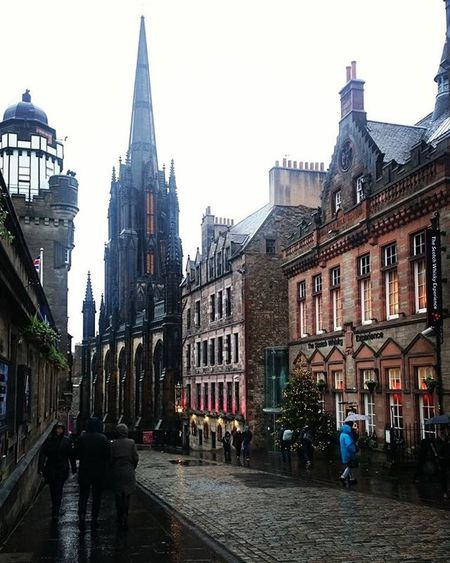 Edinburgh, such a beautiful city. Edinburgh Scotland Edimburgo Cold Rain November ESNuk THISisESN ESNedinburgh2015 City Beautiful ImInLove