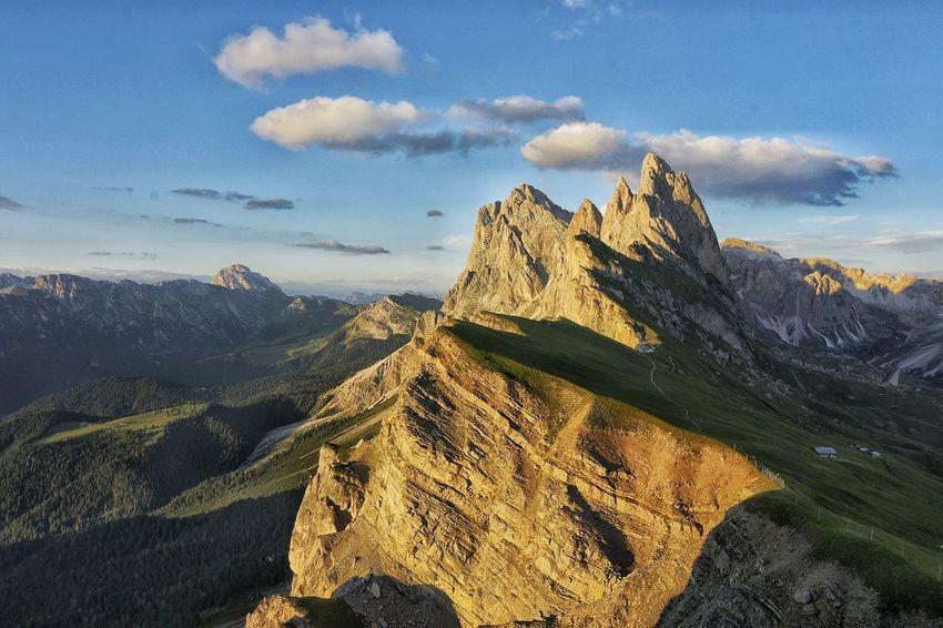 Mountain Mountain Peak Rock - Object Sky Landscape Mountain Range Cloud - Sky Natural Landmark