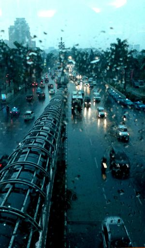 Rainy Day in a City Hello World Rainy Day Traffic Trafficinthecity Trafficincontrol