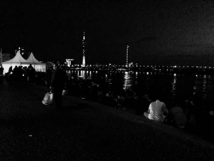 Cities At Night Düsseldorf Bridge Düsseldorf Am Rhein Düsseldorf By Night The Street Photographer - 2016 EyeEm Awards Site Seeing