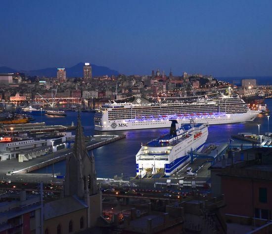 City Night Genovamorethanthis Porto Di Genova Crocera Genova ♥ Luci E Ombre Night City Night Photography Night Lights Light Effect